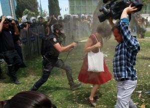 turkey-protests-women